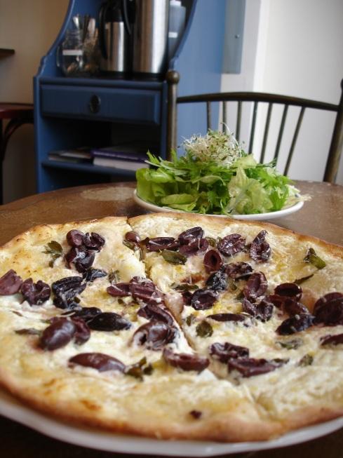 Kalamata Olive Pizza